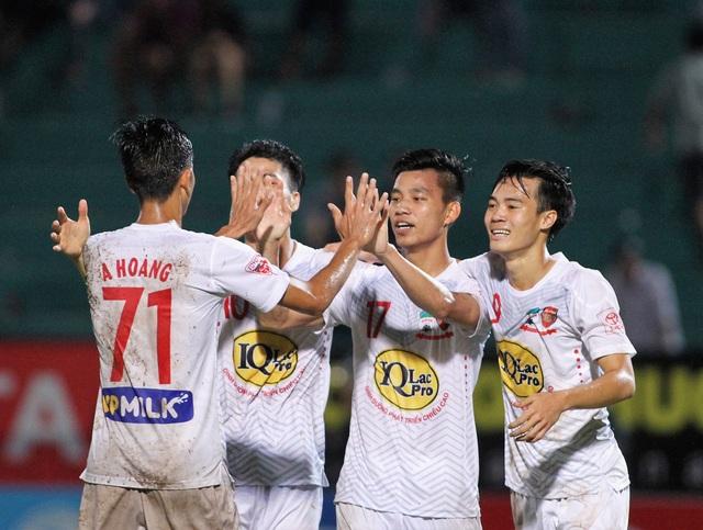 A Hoàng (71) ghi bàn, HA Gia Lai đánh bại B.Bình Dương (ảnh: Nguyễn Đình)