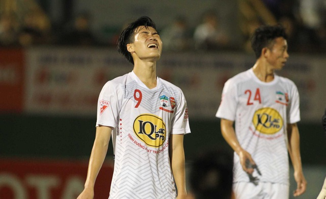 HA Gia Lai bại trận trước SL Nghệ An (ảnh: Nguyễn Đình)