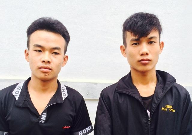 Dương Văn Thắng và Nguyễn Văn Lâm tại cơ quan điều tra Công an huyện Tân Kỳ.