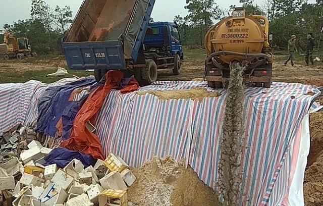Hải sản tồn kho không đảm bảo an toàn thực phẩm được đưa đi tiêu hủy