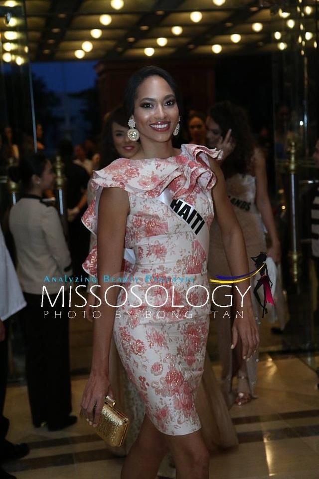 Lệ Hằng và các mỹ nhân khoe sắc trong tiệc tri ân Hoa hậu hoàn vũ 2015 - 48