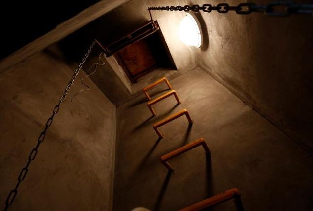 Lối thoát hiểm của căn hầm.