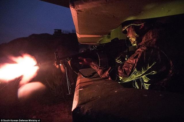Trước đó, lực lượng đặc nhiệm Triều Tiên hồi tháng 8 cũng đã tiến hành một cuộc tập trận chiếm đảo với mục tiêu tấn công giả định là đảo Baengnyeong của Hàn Quốc.
