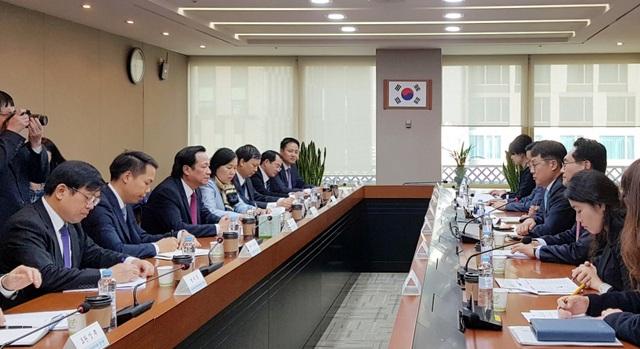 Hội đàm giữa Bộ LĐ-TB&XH Việt Nam và Bộ Việc làm và Lao động Hàn Quốc