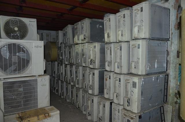 Phát hiện kho điện tử, điện lạnh cũ nhập lậu cực lớn - 3