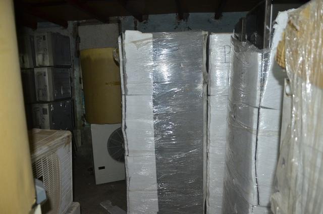 Các mặt hàng cục nóng máy lạnh, máy điều hòa, tủ lạnh đều đã qua sử dụng