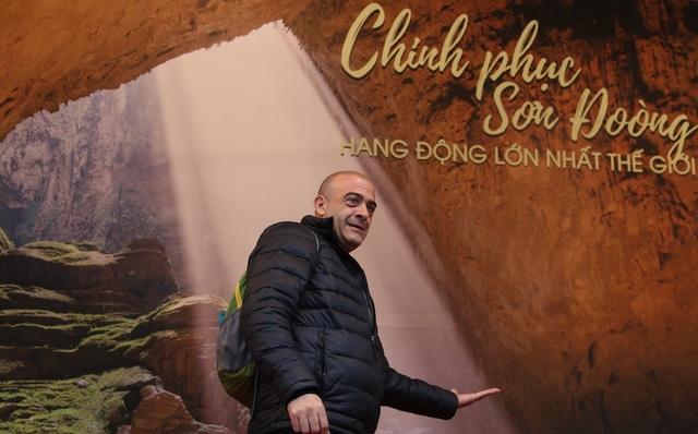 Không chỉ có người Hà Nội hào hứng với những bức ảnh đẹp được chụp từ Quảng Bình mà cả những du khách quốc tế cũng vô cùng thích thú và ngạc nhiên trước vẻ đẹp thiên nhiên kì vĩ của Quảng Bình.