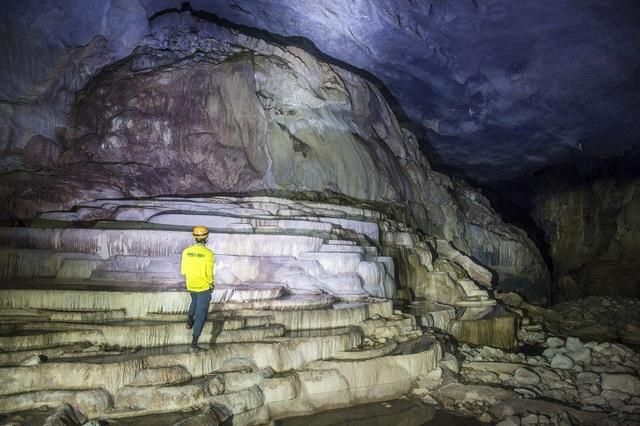 """Đưa 3 hang động ở """"vương quốc hang động"""" Phong Nha vào khai thác - 2"""