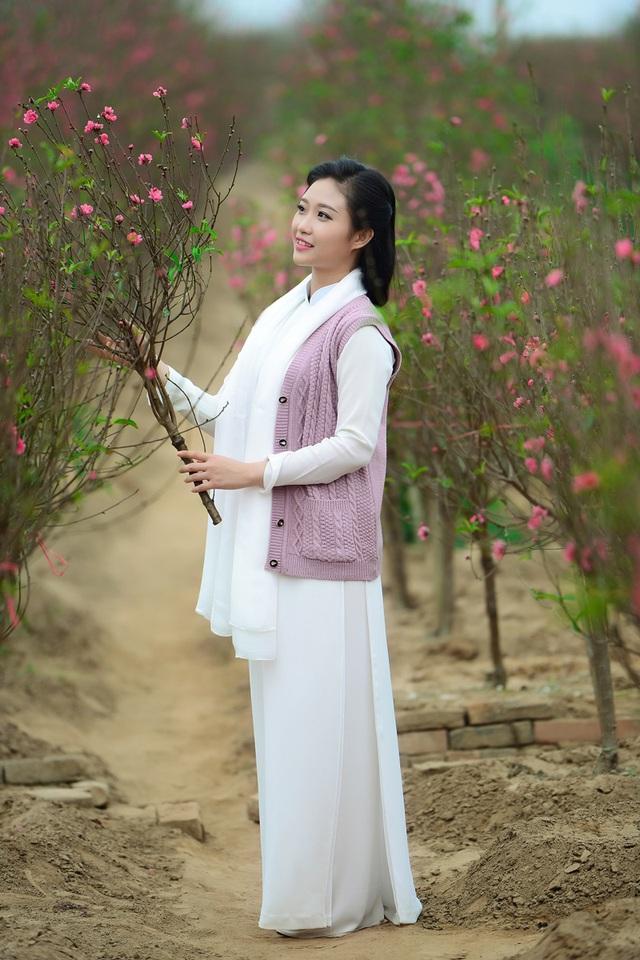 Cô gái Hà Nội hoài niệm tiếng chuông chùa Trấn Vũ của Tết xưa - 4