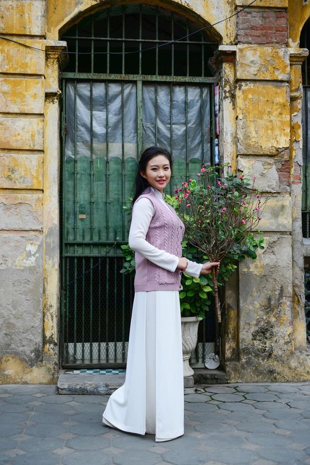 Cô gái Hà Nội hoài niệm tiếng chuông chùa Trấn Vũ của Tết xưa - 16