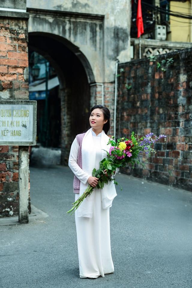 Cô gái Hà Nội hoài niệm tiếng chuông chùa Trấn Vũ của Tết xưa - 13