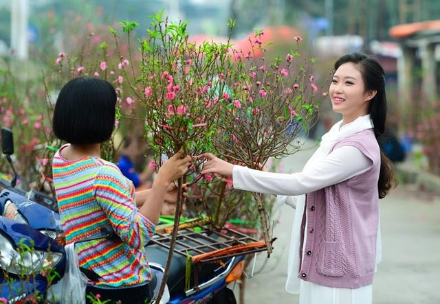 Cô gái Hà Nội hoài niệm tiếng chuông chùa Trấn Vũ của Tết xưa - 11
