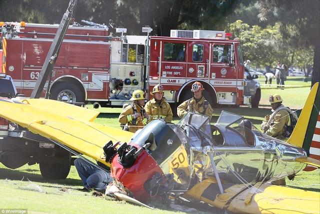 Nam diễn viên đã bị thương ở đầu và gãy tay trong vụ tai nạn hồi năm 2015, dù vậy, với vụ việc này, ông được các chuyên gia hàng không khen ngợi hết lời vì cách xử lý bình tĩnh và chính xác, giúp bảo vệ an toàn cho chính mình và những người khác.