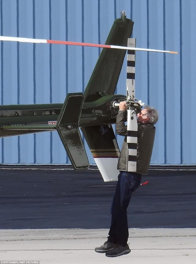 Ford hiện đã ở tuổi 74, truyền thông và công chúng từng ngưỡng mộ sở thích lái trực thăng của Ford.
