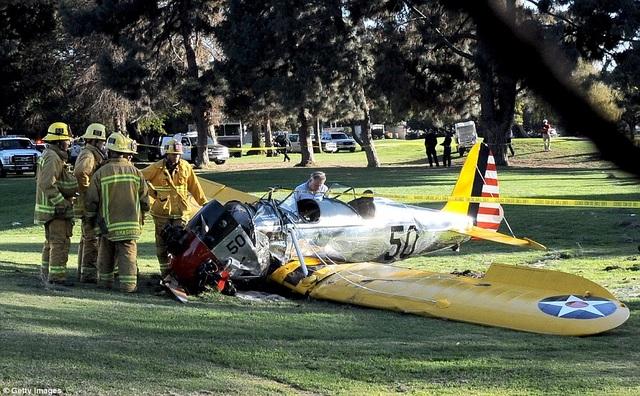 Năm 2015, Harrison Ford đã từng gặp phải một tai nạn hàng không khi động cơ trực thăng bất ngờ bị hỏng ngay trên bầu trời. Ông đã cố đưa chiếc may bay vào khu vực của một sân golf, tại đây, chiếc máy bay đã bị rơi tự do từ độ cao hơn 900m.