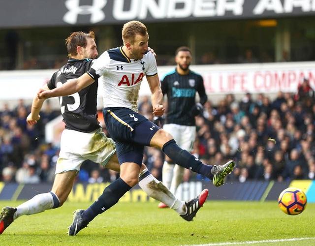 Harry Kane lập hat-trick trong chiến thắng 4-0 của Tottenham trước West Brom