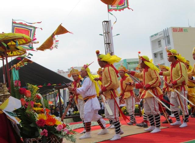 Hát bả trạo là một phần không thể thiếu trong lễ hội cầu ngư của người dân biển miền Trung