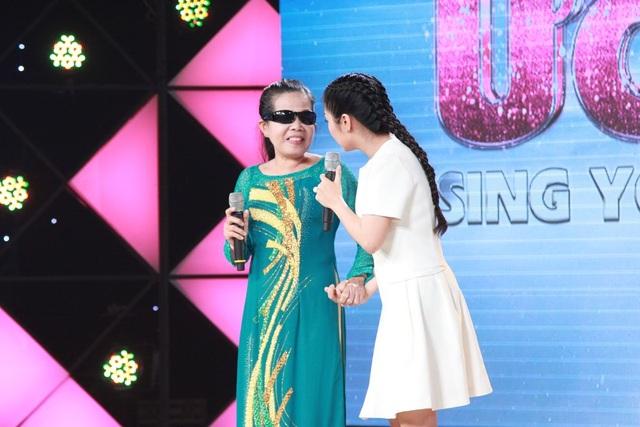 Bà Phạm Thị Cương trên sân khấu Hát mãi ước mơ tập 13.