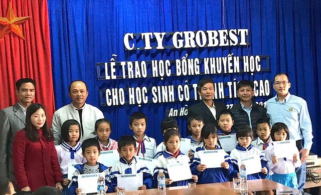 150 suất học bổng Grobest Việt Nam đến với học sinh nghèo xứ Nghệ - 6