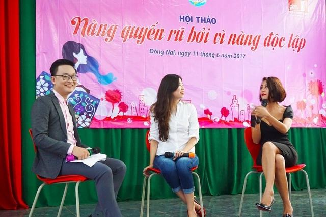 Chị Tô Hồng Vân (giữa) và diễn viên Nam Thư (phải) cùng chia sẻ trong buổi hội thảo đầu tiên tại Đồng Nai vào ngày 11/6