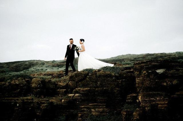 Cặp đôi ngoại quốc chụp ảnh cưới ở Việt Nam sau một năm hẹn hò qua mạng - 10