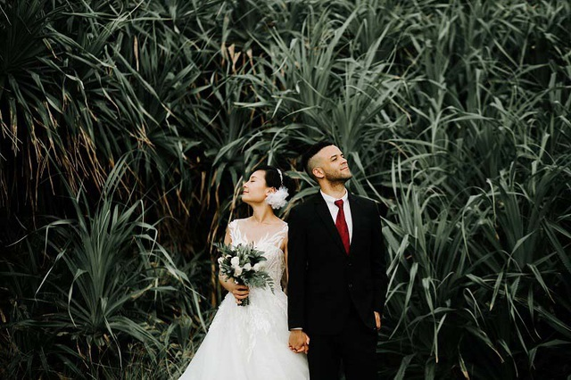Cặp đôi ngoại quốc chụp ảnh cưới ở Việt Nam sau một năm hẹn hò qua mạng - 5