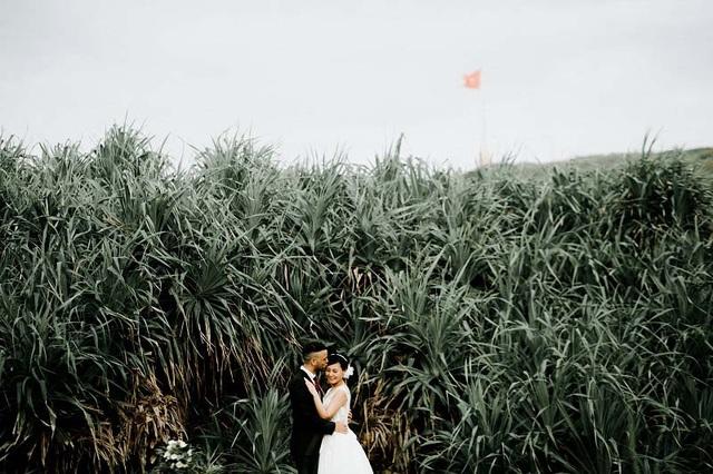 Cặp đôi ngoại quốc chụp ảnh cưới ở Việt Nam sau một năm hẹn hò qua mạng - 1