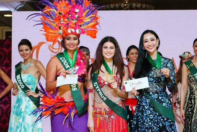 Đại diện của Việt Nam giành huy chương đồng phần thi Tài năng.