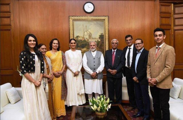 Đương kim hoa hậu thế giới hào hứng khi biến kế hoạch chăm sóc sức khỏe và vệ sinh cho các em gái tại Ấn Độ của cô thành sự thật.