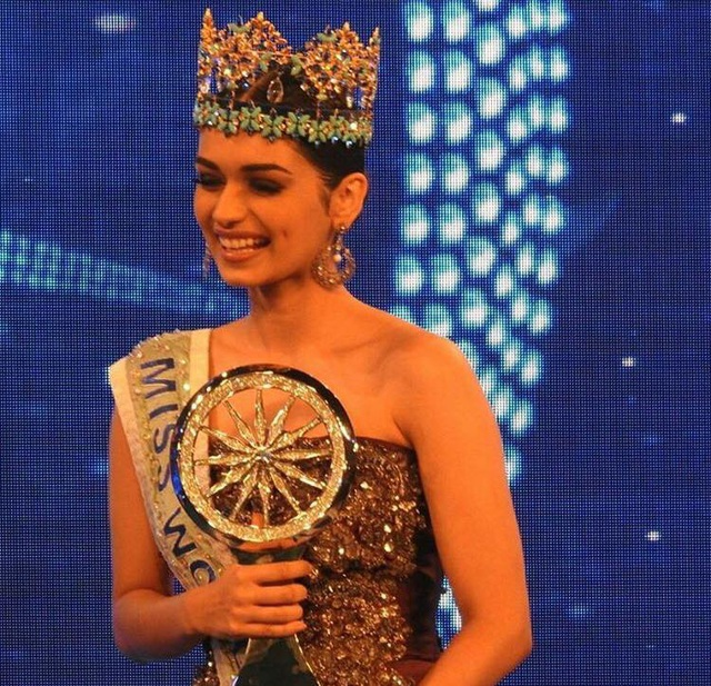 Tân Hoa hậu Thế giới rạng ngời trong lễ diễu hành mừng chiến thắng - 16