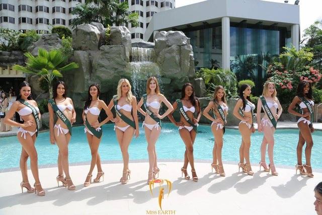 Mãn nhãn với phần trình diễn áo tắm của Hoa hậu Trái đất 2017 - 53