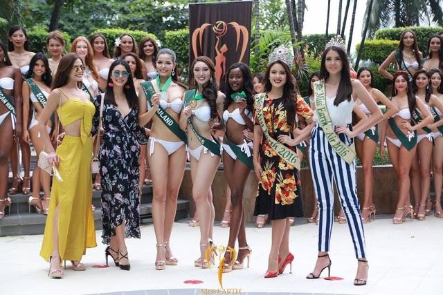 Ba người đẹp giành thành tích cao nhất phần thi Trình diễn áo tắm khoe sắc bên bốn hoa hậu giành thứ hạng cao nhất tại cuộc thi Hoa hậu Trái đất 2016.