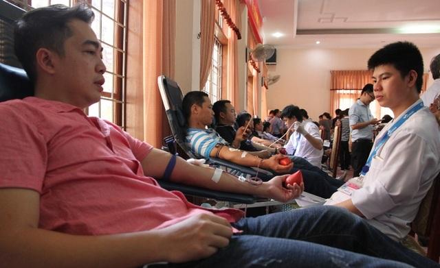 Kết thúc đợt hiến máu, Trung tâm huyết học đã thu về hơn 400 đơn vị máu