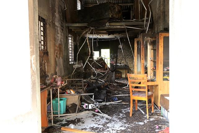 Hiện trường căn nhà xảy ra hỏa hoạn.
