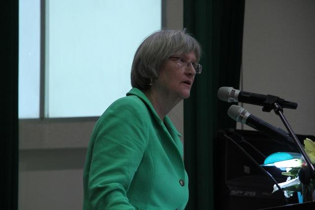 Bà Faust cho rằng lịch sử giúp chúng ta hình dung và đấu tranh cho hòa bình