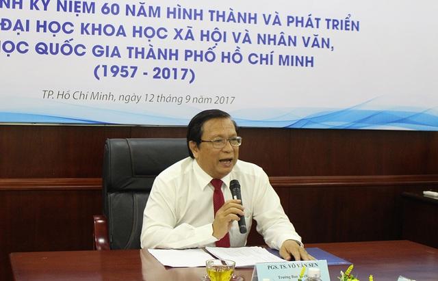 PGS.TS Võ Văn Sen chia sẻ trong buổi gặp gỡ báo chí về chương trình kỷ niệm 60 năm thành lập trường ĐH Khoa học xã hội và nhân văn (ĐH Quốc gia TP.HCM)