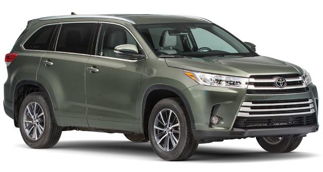 SUV cỡ trung: Toyota Highlander - Mẫu xe này được trang bị động cơ V6 cùng hộp số mới và thêm các trang bị an toàn. Highlander cũng được đánh giá cao về sự phù hợp với nhu cầu sử dụng của các gia đình, tiết kiệm nhiên liệu và độ tin cậy lâu dài.