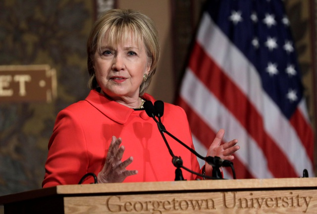 Bà Hillary Clinton phát biểu tại Đại học Georgetown ở Washington, Mỹ hôm 31/3 (Ảnh: Reuters)