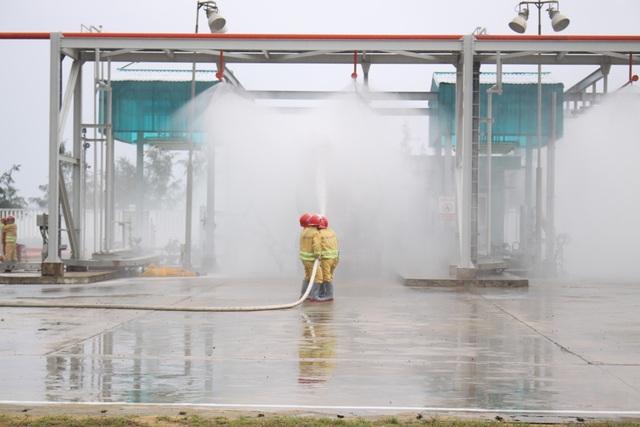 Lực lượng PCCC tại chỗ triển khai quy trình ứng cứu khẩn cấp
