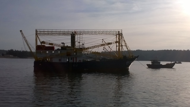 Tàu cá QNg 91131 TS đã  được lai dắt an toàn về đến cảng Lý Sơn.