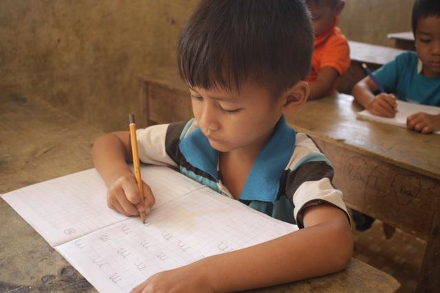 Tỉnh Quảng Ngãi triển khai hỗ trợ dạy tiếng Việt cho con em người Việt Nam đang sinh sống tại các tỉnh Nam Lào