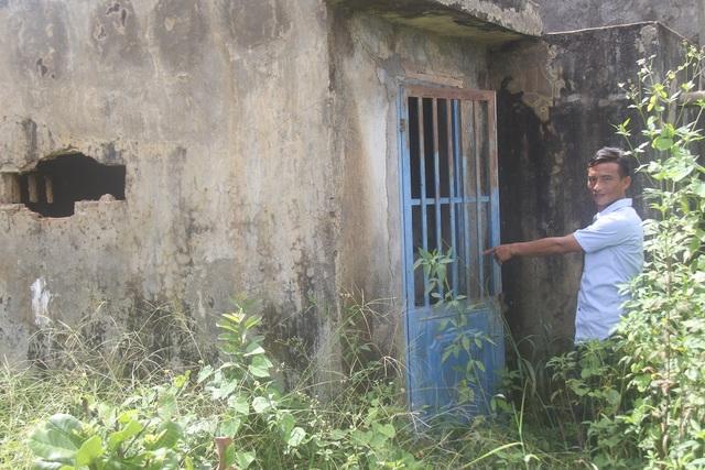 Công trình nước sạch bản Đoàn Kết bị bỏ hoang, cỏ mọc um tùm là nơi tập kết của các con nghiện