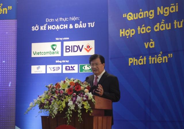 Phó Thủ tướng Chính phủ Trịnh Đình Dũng phát biểu chỉ đạo tại hội nghị