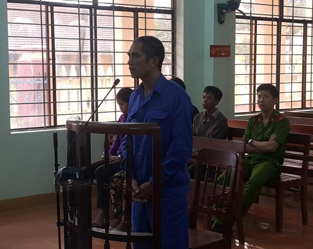 Đối tượng Phạm Văn Mê bị tuyên án 4 năm tù vì hành vi đâm vợ gây thương tích