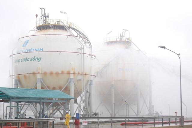 Hệ thống chữa cháy tự động phun nước làm mát bồn chứa LPG
