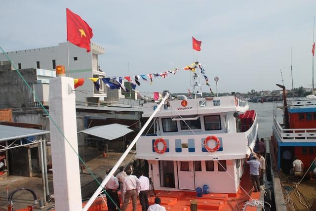 Ngoài việc được thi công bằng vật liệu mới, tàu cá QNg 95537TS còn được lắp đặt nhiều trang thiết bị hiện đại