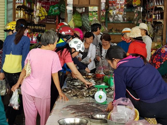 Trong khi giá rau xanh tăng, giá các loại thịt, cá tươi sống tại Phú Yên được giữ ở mức ổn định