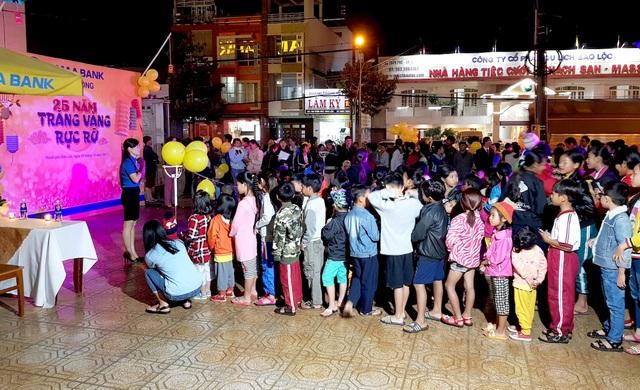 Nam A Bank mang niềm vui Trung thu đến các em nhỏ trên toàn quốc - 2