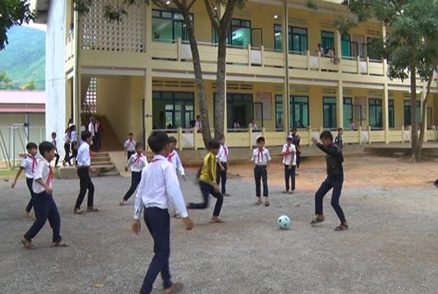 Mô hình bán trú giúp học sinh huyện Sơn Tây yên tâm học tập tốt hơn.