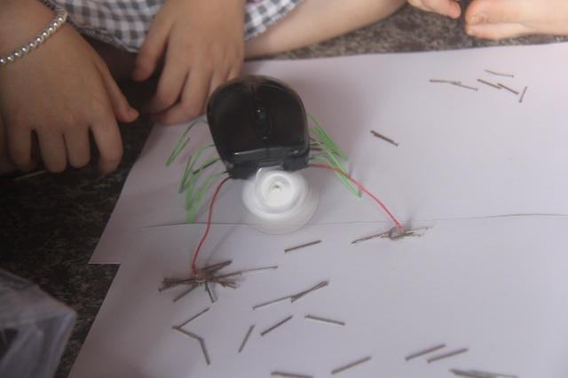 Dù được tận dụng từ con chuột vi tính hỏng, nhưng nó có rất nhiều chức năng